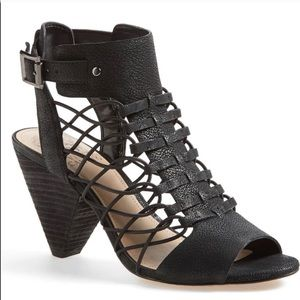 Vince camuto Evel caged sandals size 9